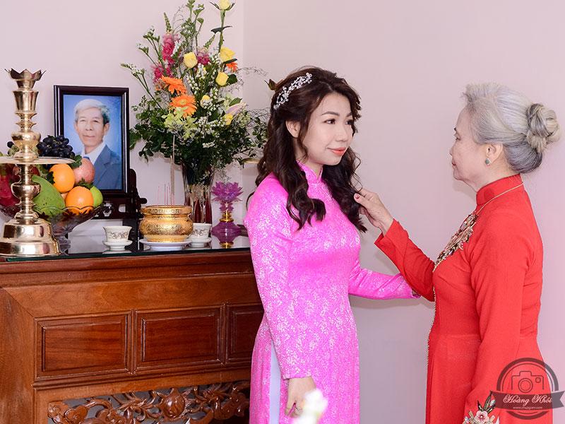 con gái của mẹ lấy chồng