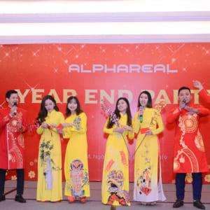 Chụp hình tiệc tất niên Công ty Bất Động Sản ALPHAREAL