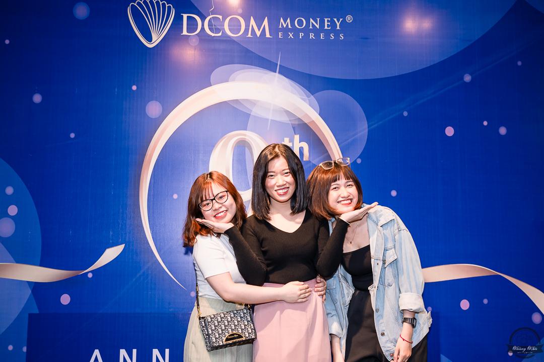 Chụp hình kỷ niệm thành lập công ty DCOM
