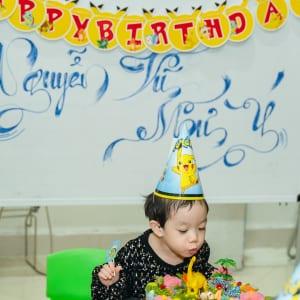 Chụp hình sinh nhật bé Như Ý tại trường mầm non Iris