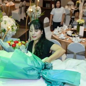 Chụp hình sự kiện tiệc chia tay gia đình | Nhà hàng Gala Center