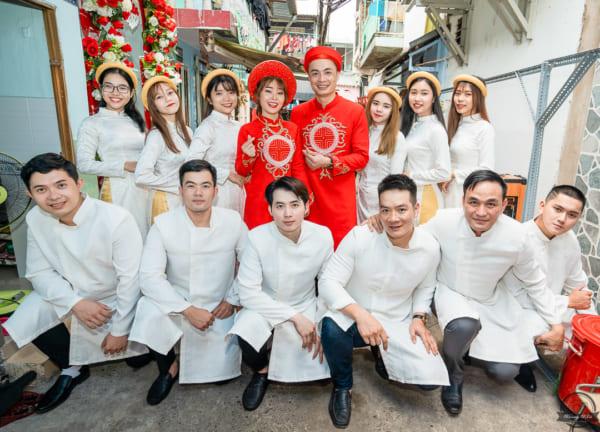 Chụp ảnh Lễ Đính Hôn và Pre wedding Văn Tạo & Bích Vân tại Cầu Móng, Quận 1
