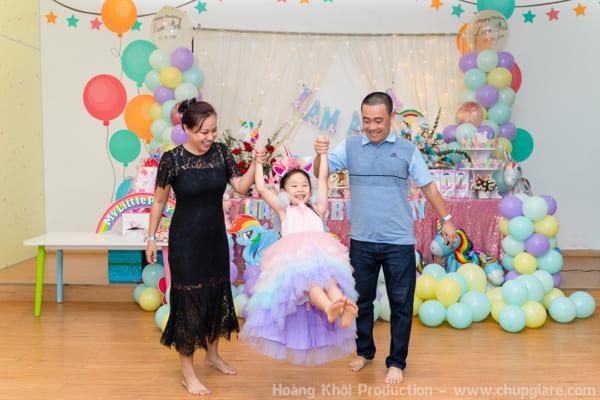 Chụp hình tiệc sinh nhật đẹp cho bé yêu tại tiniWorld