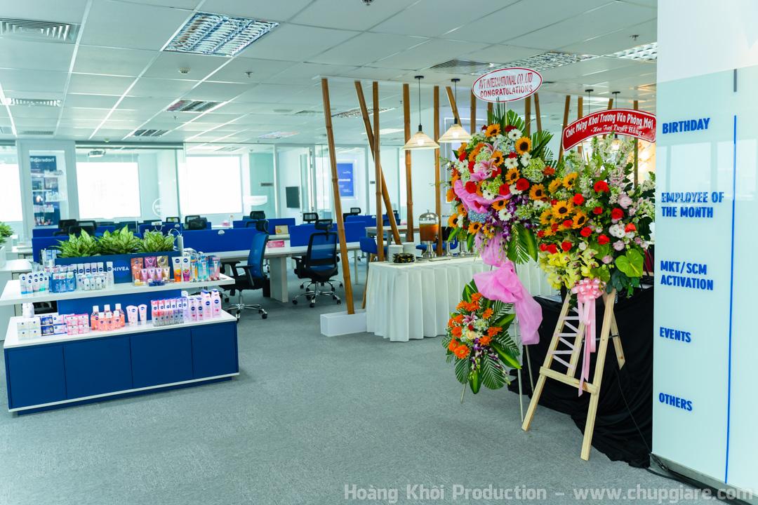 Chụp hình sự kiện khai trương văn phòng công ty