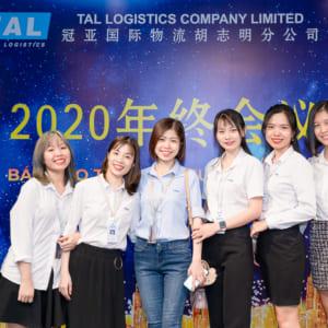chụp ảnh sự kiện lễ tổng kết công ty TAL tại Robot Tower